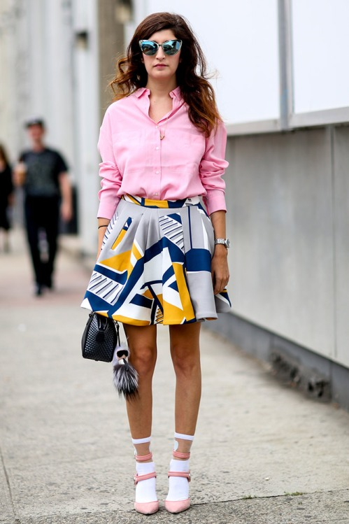 summer-prints-pink-shirt-printed-skirt-street-style