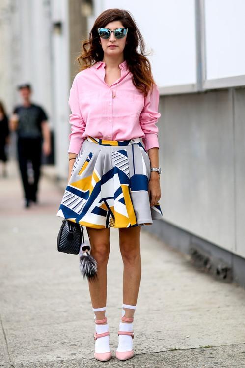 summer-prints-pink-shirt-printed-skirt-street-style