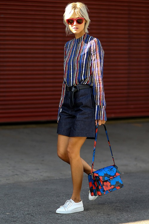 summer-prints-striped-blouse-denim-skirt-floral-bag-street-style