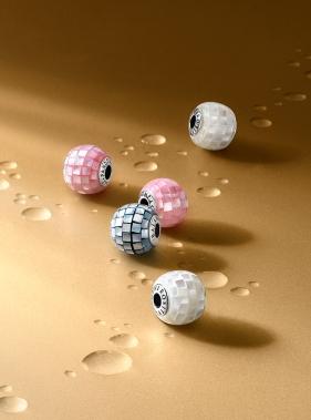 au16_essence_droplets_02_cropped_rgb