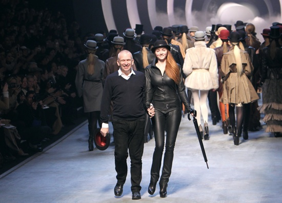 French designer Jean Paul Gaultier (L, f
