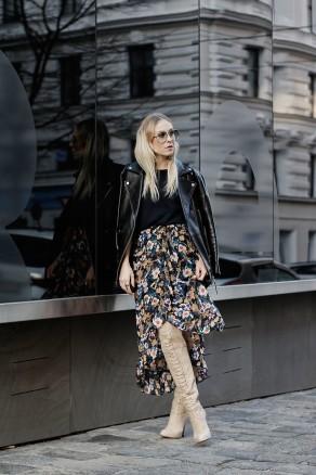 5275286_Gestuz-flower-skirt-oversized-leatherjacket-mai-piu-senza-overknees-LES-FACTORY-FEMMES-1