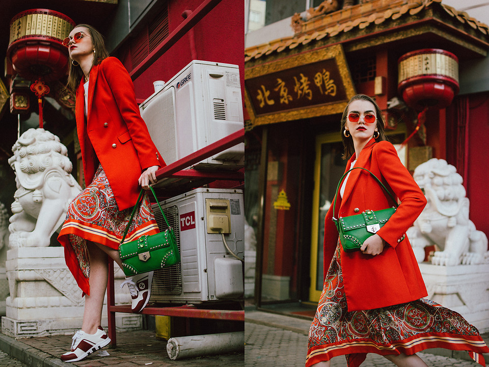 5327242_Orange_blazer__printed_midi_skirt__gucci_sneakers__prada_green_bag__white_tee__andreea_birsan__couturezilla__cute_spring_outfit_ideas_2018_(h1)