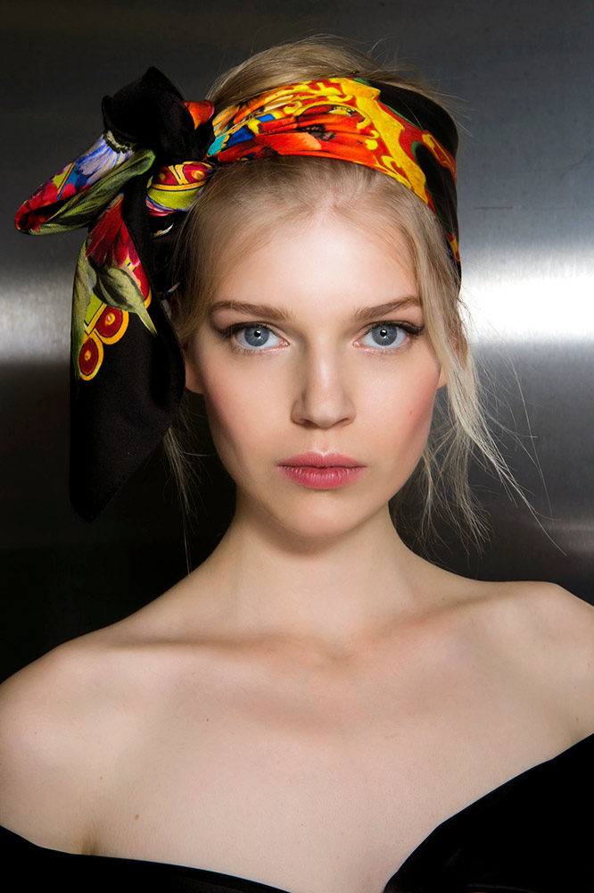 dolce-and-gabbana-spring-2016-beauty-knotted-side-scarf-updo